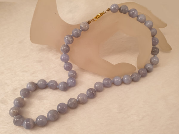 chalcedony necklace 10/46