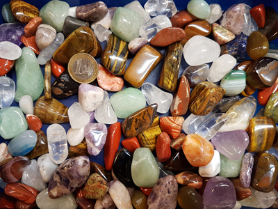 1 kg tumbled stones M-L mixed (appr.105 pcs)