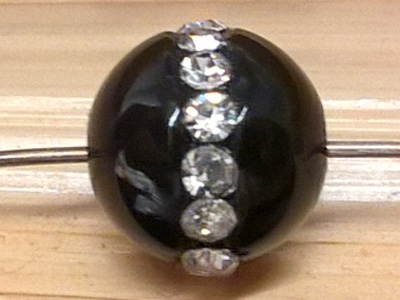 finding rhinestone 8mm, black agate