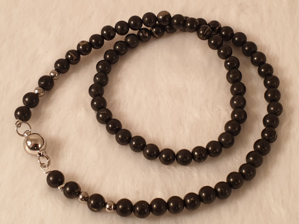 schungite (shungite) necklace faceted 6/44 w/ magnetic clasp