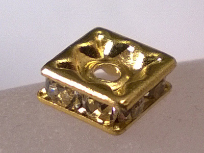 finding rhinestone 6x6x2.5mm, brass gold plated