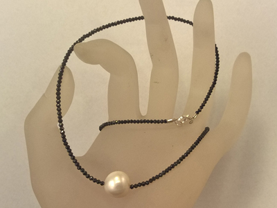 black spinell necklace with pearl 44/2mm